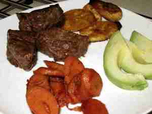 Steak_Carrots_Maduros_Avocado-Small