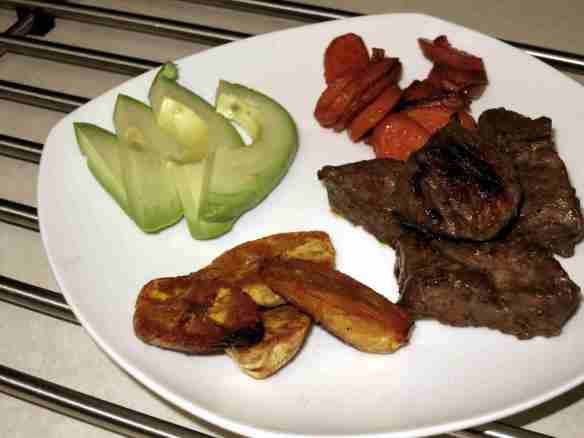 Steak_Carrots_Maduros_Avocado2